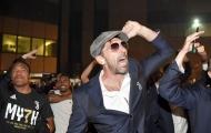 Buffon và đồng đội quẩy nhiệt tình cùng 300 'anh em' tại Turin