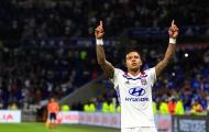 Depay lập hattrick, Lyon nghẹt thở ghi tên vào vòng bảng Champions League