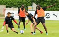 Quên Guardiola, Yaya Toure điên cuồng tập luyện vì trẻ em tại Anh
