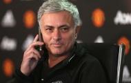 Mourinho ra tay, MU đánh bại Real để chiêu mộ 'trung vệ thép'