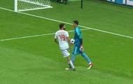 Costa lên tiếng về màn 'triệt hạ' thủ môn Iran
