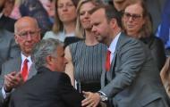 Căng thẳng leo thang, Ban lãnh đạo M.U gửi thông điệp 'mạnh mẽ' đến Mourinho