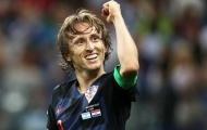 XONG! Luka Modric trở về Tây Ban Nha, nhưng để xin phép được ra đi