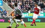 Đập tan chỉ trích, Ozil bừng sáng trong trận thứ 200 cho Arsenal