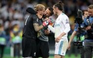 TIẾT LỘ: Lời Bale nói với Karius sau chung kết Champions League