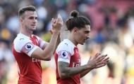 Fan Arsenal đồng loạt đòi Emery trả công bằng cho một cái tên