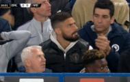 Giroud không tin nổi pha hỏng ăn của Morata