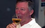 Có 800 chai rượu quý, vì sao Sir Alex không dám đụng vào?