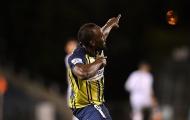 Lập hẳn cú đúp, Usain Bolt tái hiện màn ăn mừng kinh điển