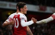 Ozil thăng hoa, Emery ra quyết định quan trọng về băng đội trưởng Arsenal