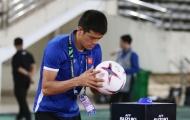 Ban huấn luyện 'làm phép' trái bóng AFF Cup cho thủ môn Đặng Văn Lâm