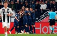 Trong ngày thắng hủy diệt, Man City vẫn bị lu mờ bởi Man United