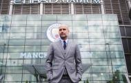 Etihad của Pep đang giống Old Trafford của Sir Alex, Highbury của Wenger
