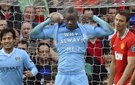 Sau Walker, đến lượt Balotelli xát muối vào nỗi đau của Man Utd