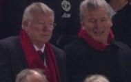 Sir Alex phản ứng ra sao khi Man Utd lép vế hoàn toàn trước Liverpool?