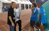 Sau ĐT Việt Nam, Roberto Carlos đến UAE cổ vũ Real Madrid đá trận chung kết