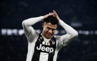 Phản ứng đáng buồn của Ronaldo khi bị các đồng đội 'phá game'