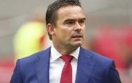 Muốn bổ nhiệm Overmars, Arsenal phải chờ đến mùa hè