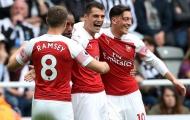 'Dùng cậu ta là cơ hội duy nhất để Arsenal lọt vào Top 4'