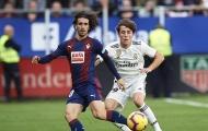 Dortmund nâng cấp hàng thủ bằng cái tên từ lò La Masia