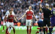 Ham hố triệt hạ đối thủ, trò cưng của Emery giúp Man Utd 'mừng thầm'