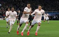 Man Utd ra mắt cầu thủ trẻ nhất lịch sử Champions League