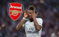 Mê mẩn 'gió lạ' xứ lục lăng, Arsenal trả bom xịt lại cho Barca
