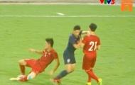 'Cầu thủ Thái Lan ức chế, vung tay đấm vào mặt Đình Trọng'