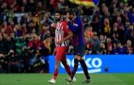 Pique đã thì thầm điều gì với Costa sau tấm thẻ đỏ?
