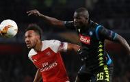 Arsenal đã biến Koulibaly '100 triệu' thành gã hề như thế nào?