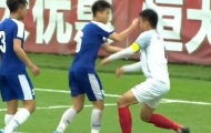 Cầu thủ trẻ Hà Nội đấm đối thủ không trượt phát nào và thứ bóng đá xấu xí!