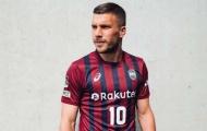 Chơi bóng ở Nhật, Podolski vẫn mách nước cho Unai Emery