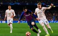 Thua Barca, sao trẻ M.U vẫn khiến CĐV ấm lòng vì hành động đặc biệt