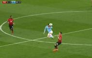 Hành động như De Jong, sao Man City đáng ra phải nhận thẻ đỏ
