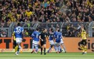9 người của Dortmund thua muối mặt trước Schalke ngay trên sân nhà