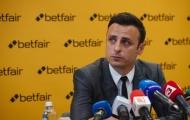 Berbatov: 'Ký 2 cầu thủ đó, Man Utd sẽ giải quyết vấn đề'
