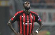 Khiến đồng đội gặp họa, sao AC Milan nhận án phạt nặng