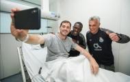 Casillas lạc quan selfie bất chấp nỗi lo phải treo găng vì bệnh tim