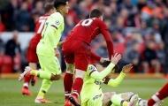 Messi nhận hành vi không tôn trọng từ hậu vệ Liverpool
