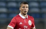 Nhắm sao trẻ Benfica, Atletico đứng hình 5 giây vì lý do này