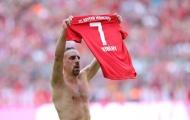 Nhận thẻ vàng sau khi ghi bàn, Ribery hành động 'sốc' với trọng tài