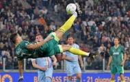 Chùm ảnh: Cristiano Ronaldo suýt lập lại siêu phẩm vào lưới Buffon