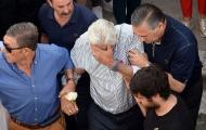 Cha Reyes khóc nấc trong ngày đưa linh cữu anh về thăm quê nhà lần cuối