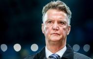 SỐC: Van Gaal cấm sao M.U tập với Giggs, bắt đi điều trị tâm lý