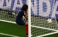 Đây! Pha phản lưới nhà 'tồi tệ' nhất cấp độ World Cup