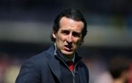 'Emery chỉ đơn giản vứt tôi ra ngoài'
