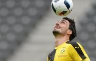 Xác nhận! Dortmund đi bước tiến dài trong việc đón lại siêu trung vệ