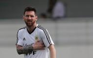 Messi trông khá khắc khổ khi Argentina 'chết đi sống lại'