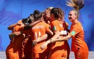 Cuốn phăng Ý, 'Cơn lốc màu da cam' giành vé vào bán kết World Cup
