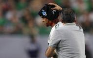 Tổn thương 'kinh hoàng', cầu thủ Mexico vẫn chơi trọn 120 phút